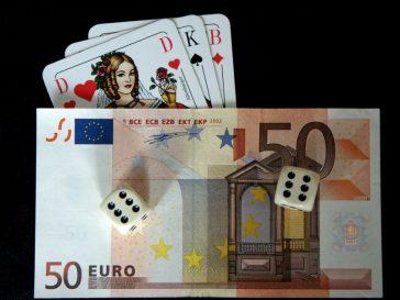 Sumele de joc la Hold 'em poker şi camerele de poker