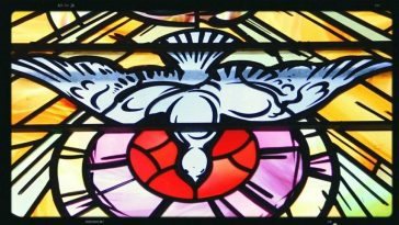 stained-glass-563669_1280.jpg