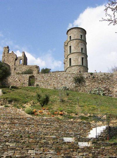 Les ruines du château Grimaldi à Grimaud