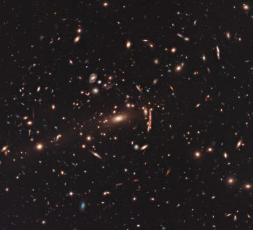 clusterul galaxiilor MACS J1206