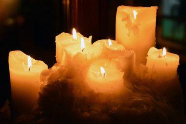 Topirea lumânărilor