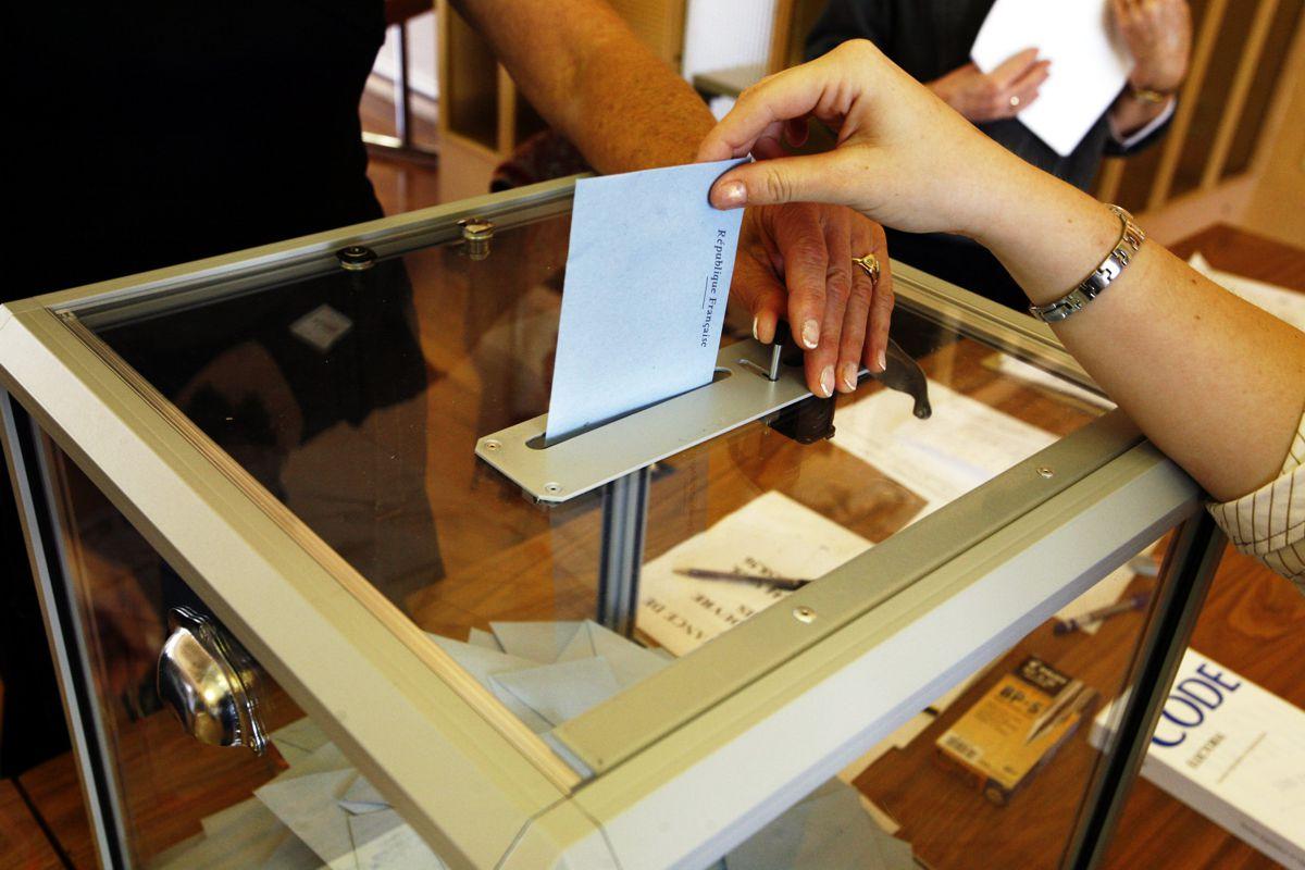 Urna de vot la alegeri