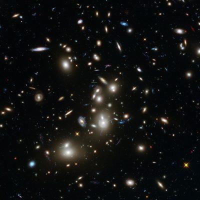 Clusterul galaxiilor Abell 2744 - vizualizarea Hubble Frontier Fields
