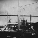 Configurarea lui Millikan pentru experimentul picăturilor de ulei)