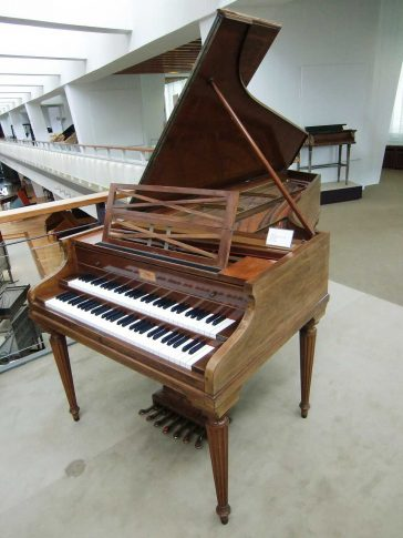 Pleyel harpsichord (1927) Large concert model