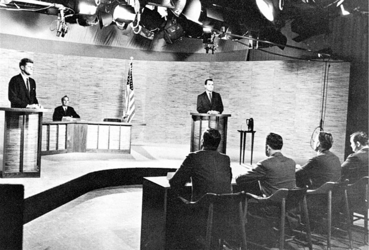 John F. Kennedy și Richard Nixon în prima dezbatere a candidaților prezidențiali televizați, 1960