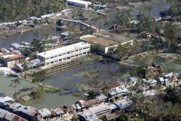 Bangladesh după ciclonul Sidr, inundații catastrofale